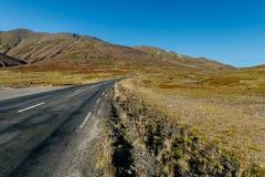 Στρωμένος δρόμος στην Ισλανδία Στοκ εικόνες με δικαίωμα ελεύθερης χρήσης