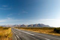 Στρωμένος δρόμος στην Ισλανδία Στοκ Φωτογραφία