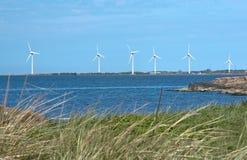 Στρόβιλοι αιολικής ενέργειας παραλιών Στοκ εικόνες με δικαίωμα ελεύθερης χρήσης