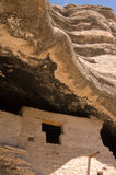 Στρόβιλοι βράχου επάνω από τις κατοικίες απότομων βράχων Gila στοκ φωτογραφία