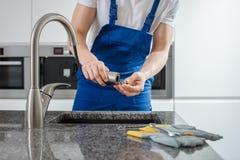 Στρόφιγγα καθορισμού υδραυλικών στοκ εικόνες με δικαίωμα ελεύθερης χρήσης