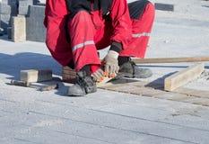 Στρώνοντας τούβλο Στοκ Φωτογραφίες