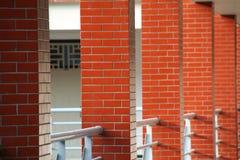 Στυλοβάτης ή σκεπαστή είσοδος πρόσοψης στοκ φωτογραφίες με δικαίωμα ελεύθερης χρήσης