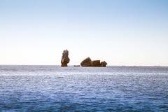 Στυλοβάτης πετρών στη θάλασσα Στοκ Εικόνες