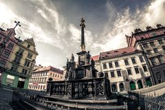 Στυλοβάτης πινακίδων στο τετράγωνο Δημοκρατίας Πίλζεν Plzen, Δημοκρατία της Τσεχίας Στοκ Φωτογραφία