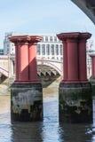 Στυλοβάτες γεφυρών Στοκ φωτογραφία με δικαίωμα ελεύθερης χρήσης