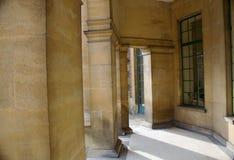 Στυλοβάτες εισόδων στο παλάτι του Art Deco σε Eltham, Γκρήνουιτς, Λονδίνο Στοκ Εικόνες