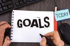 Στόχοι κειμένων γραφής Η έννοια έννοιας επιθύμησε ότι τα επιτεύγματα στοχεύουν σε τι θέλετε να ολοκληρώσετε στο μέλλον γραπτός απ στοκ εικόνα με δικαίωμα ελεύθερης χρήσης
