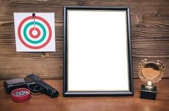 Στόχος πυροβόλων όπλων και εγγράφου Πρακτική πυροβολισμού Σειρά πυροβολισμού Στοκ Εικόνα