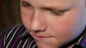 Συγκίνηση στο πρόσωπο παιδιών απόθεμα βίντεο