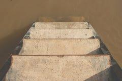 Συγκεκριμένη σκάλα τοπ άποψης της προκυμαίας downstair στον ποταμό στην επαρχία Στοκ φωτογραφία με δικαίωμα ελεύθερης χρήσης