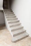 Συγκεκριμένη σκάλα κάτω από την κατασκευή Στοκ Εικόνες