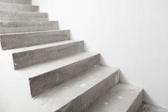 Συγκεκριμένη σκάλα κάτω από την κατασκευή Στοκ Φωτογραφία