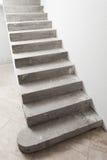 Συγκεκριμένη σκάλα κάτω από την κατασκευή Στοκ Εικόνα