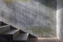Συγκεκριμένη σκάλα τσιμέντου Στοκ Φωτογραφία