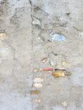 Συγκεκριμένος και χρωματισμένος τοίχος πετρών Στοκ φωτογραφία με δικαίωμα ελεύθερης χρήσης