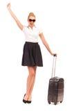 Συγκινημένη επιχειρηματίας με τη μαύρη τσάντα. Στοκ φωτογραφία με δικαίωμα ελεύθερης χρήσης