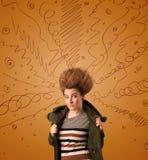 Συγκινημένη νέα γυναίκα με το ακραίο hairtsyle και συρμένες τις χέρι γραμμές Στοκ Εικόνα