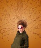 Συγκινημένη νέα γυναίκα με το ακραίο hairtsyle και συρμένες τις χέρι γραμμές Στοκ Φωτογραφία