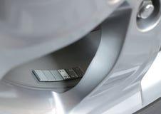 Συγκολλητικός τύπος ισορροπώντας βάρους ροδών στη ρόδα αυτοκινήτων Στοκ φωτογραφία με δικαίωμα ελεύθερης χρήσης