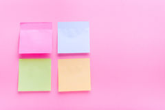 Συγκολλητικό μετα χρώμα σημειώσεων στοκ φωτογραφία