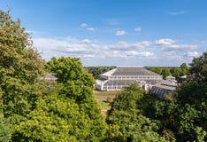 Συγκρατημένο σπίτι στους κήπους Kew στοκ εικόνες