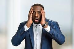 Συγκλονισμένος αμερικανικός επιχειρηματίας afro Στοκ εικόνα με δικαίωμα ελεύθερης χρήσης