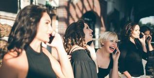 Συγχαρητήρια για την όμορφη έννοια ομάδων γυναικών στοκ φωτογραφία με δικαίωμα ελεύθερης χρήσης