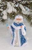 Συγχαρητήρια στα Χριστούγεννα με τη μάζα παγετού πατέρων παιχνιδιών produc Στοκ φωτογραφία με δικαίωμα ελεύθερης χρήσης