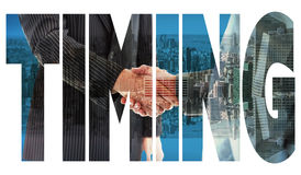 Συγχρονισμός ενάντια στους επιχειρηματίες που τινάζουν τα χέρια στοκ φωτογραφίες με δικαίωμα ελεύθερης χρήσης