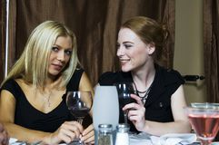 συζήτηση κοριτσιών Στοκ εικόνα με δικαίωμα ελεύθερης χρήσης