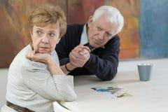 Συζυγικά προβλήματα στη μεγάλη ηλικία στοκ εικόνα