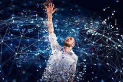 Συλλήφθείτε επιχειρηματίας από την τεχνολογία Διαδικτύου Έννοια του εθισμού Διαδικτύου Στοκ εικόνα με δικαίωμα ελεύθερης χρήσης