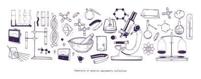 Συλλογή του χημικών και φυσικών εργαστηριακών εξοπλισμού και των εργαλείων που απομονώνονται στο άσπρο υπόβαθρο - μικροσκόπιο, σω απεικόνιση αποθεμάτων