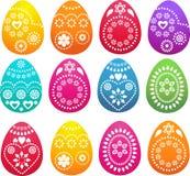 Συλλογή των διαμορφωμένων χρωματισμένων αυγών Πάσχας απεικόνιση αποθεμάτων