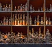 Συλλογή των ηλικιωμένος-παλαιών μπουκαλιών Στοκ Φωτογραφίες