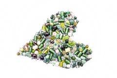 Συλλογή των πράσινων χαντρών γυαλιού με μορφή μιας καρδιάς Στοκ εικόνες με δικαίωμα ελεύθερης χρήσης