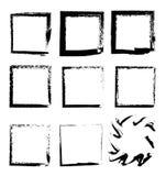 Συλλογή των τετραγωνικών μαύρων συρμένων χέρι grunge πλαισίων, σύνορα καθορισμένα στοιχεία σχεδίου που τί&th διανυσματική απεικόνιση