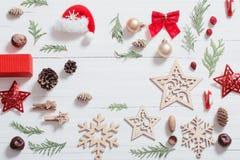 Συλλογή Χριστουγέννων στο ξύλινο υπόβαθρο Στοκ φωτογραφία με δικαίωμα ελεύθερης χρήσης
