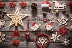 Συλλογή Χριστουγέννων στο παλαιό ξύλινο υπόβαθρο Στοκ Φωτογραφία