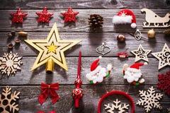Συλλογή Χριστουγέννων στο παλαιό ξύλινο υπόβαθρο Στοκ Φωτογραφίες