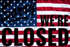 Συμβολισμός κυβερνητικού κλεισίματος θλιβερός εμείς ` σχετικά με το κλειστό σημάδι στοκ φωτογραφίες