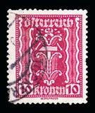 Συμβολισμός: σφυρί & λαβίδες, συμβολικά θέματα serie, circa 1922 στοκ εικόνα
