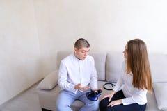 Συμβουλευτική υποδοχή του τύπου καρδιολόγων γιατρών που χρησιμοποιεί tonom Στοκ Φωτογραφίες