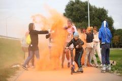 Συμμετέχοντες Holi που οργανώνεται σε Daugavpils Στοκ εικόνα με δικαίωμα ελεύθερης χρήσης