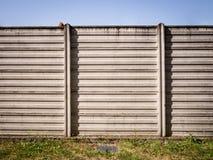 Συμπαγής τοίχος του βιομηχανικού υποβάθρου Στοκ Εικόνα