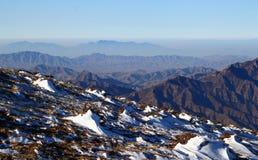 συμπαθητική ταπετσαρία χιονιού βουνών ανασκόπησης Στοκ φωτογραφία με δικαίωμα ελεύθερης χρήσης
