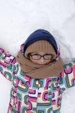 συμπαθητική φθορά χιονιού καπέλων κοριτσιών Στοκ εικόνα με δικαίωμα ελεύθερης χρήσης