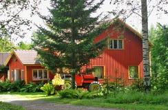 συμπαθητικό κόκκινο σπιτ&io Στοκ Εικόνα