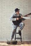συμπαθητικό τραγούδι σκιαγραφιών ανθρώπων ατόμων Στοκ Φωτογραφία